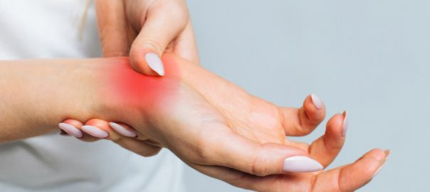 Supplements and herbs that can naturally relieve pain caused by arthritis